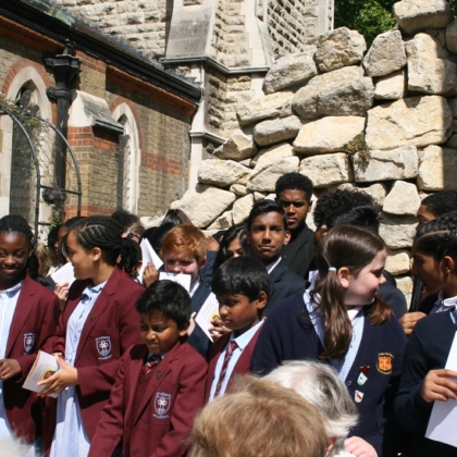 School children ready with bidding prayers