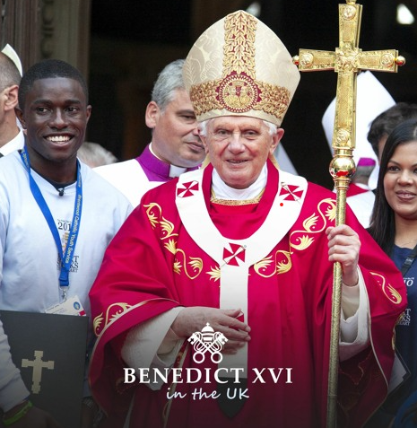 Paschal Uche of BCYS (now Fr Paschal) with Pope Benedict on the steps of Westminster Piazza