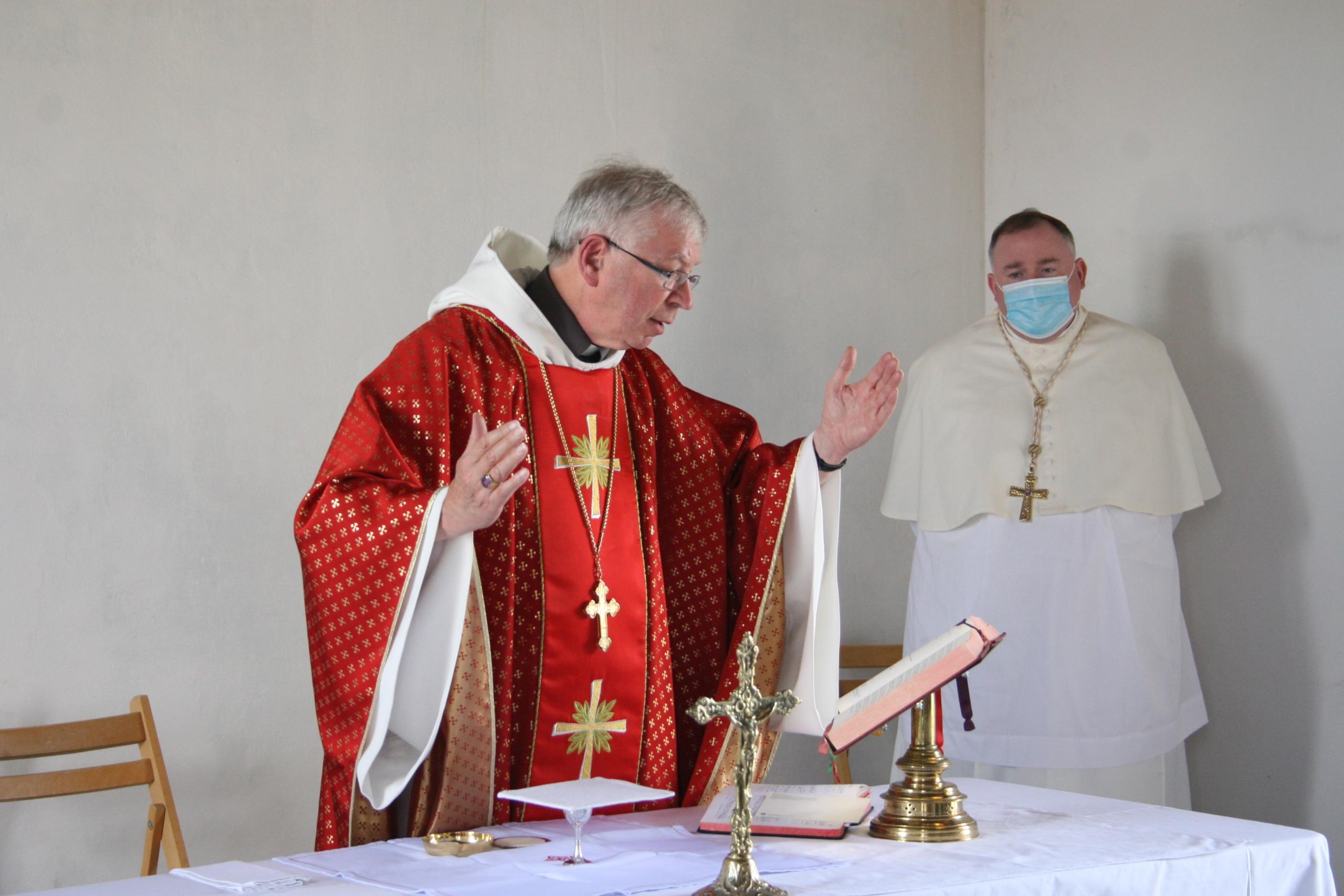 Abbot saying Mass